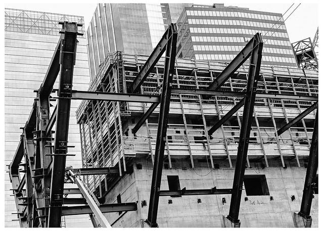 150 N Riverside Construction