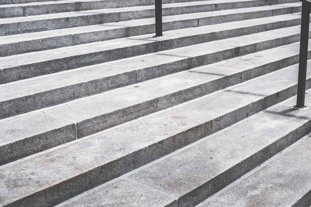 Imagen gratis de unas escaleras grises