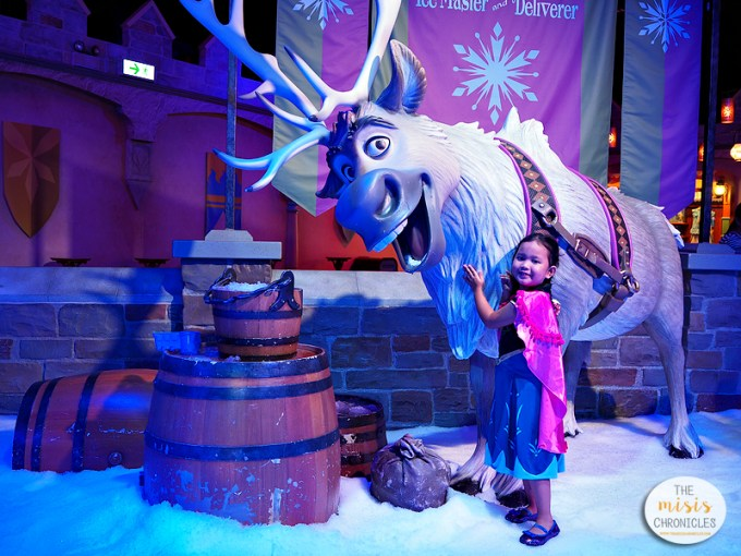 frozen village hk disneyland