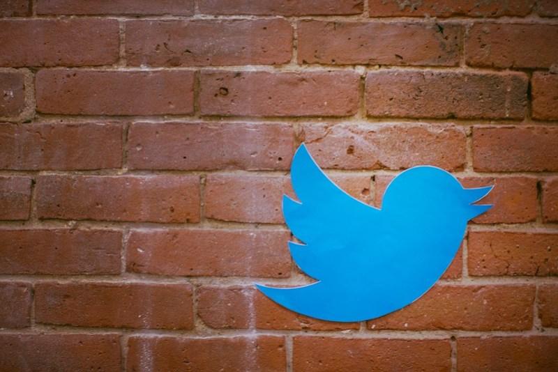 Hoe voeg je een afbeelding toe aan jouw twitter-account op Twitter.com?