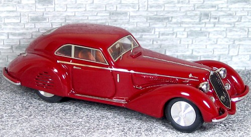 AM43 342 Alfa Romeo 6c 2300B MM 1938 - Amaranto (1)
