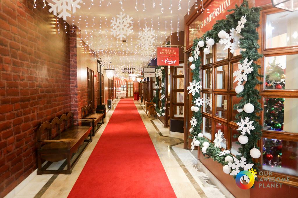 Manila Hotel Christmas Day 2-14.jpg