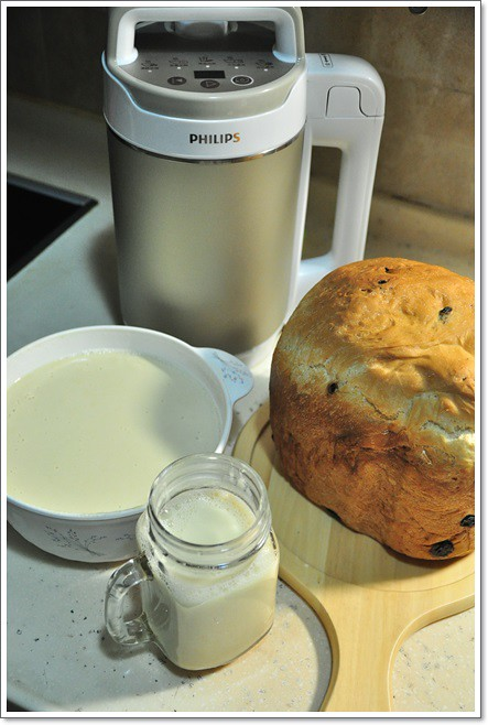飛利浦免濾金營養料理機HD2089。輕鬆做出多樣化豆漿與湯飲,免濾豆渣,豆漿品嚐更香更濃醇!