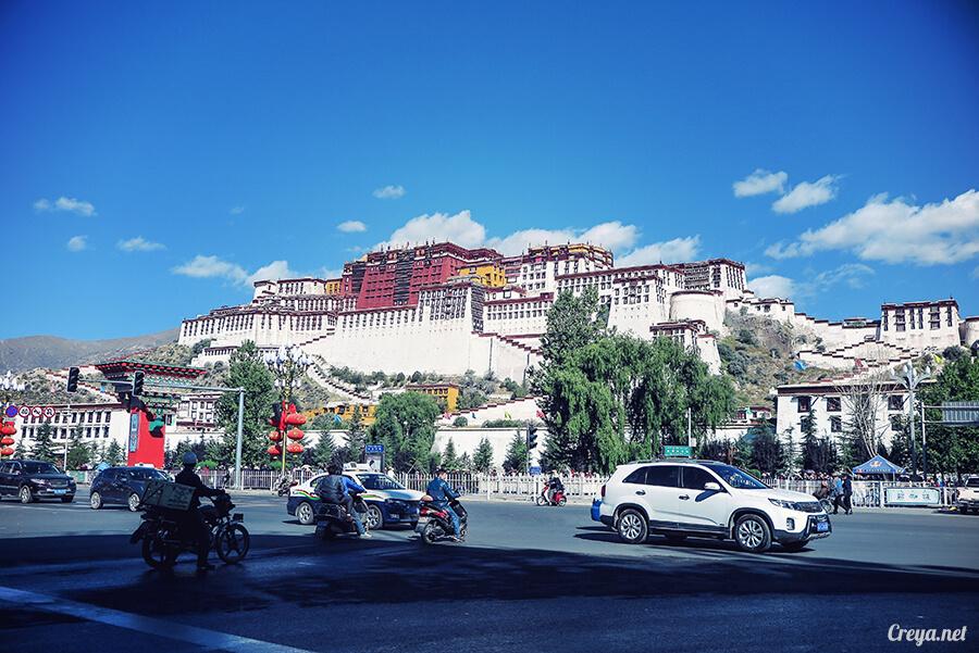 2015.12.04| Tibet 西藏踢北去 | 藏人的精神殿堂布達拉宮,但或許不只我們高山反應沒精神…04.jpg