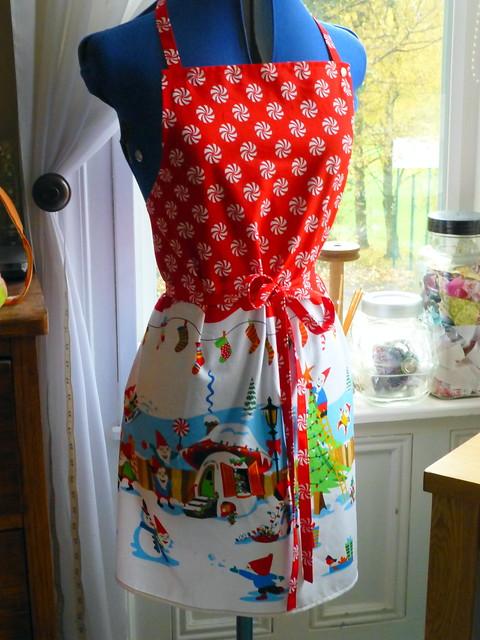 Christmas Apron Tutorial for Fabric Yard