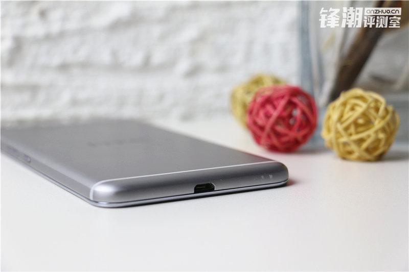 HTC-One-X9-c