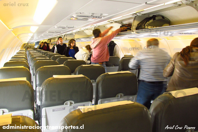 Interior Airbus A319 CC-AIC / Sky Airline / SKY116