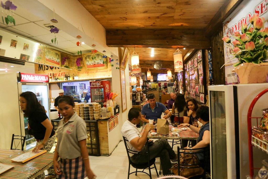 Siamaroi Thai Restaurant-3.jpg