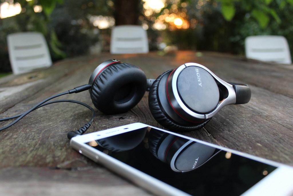 Sony MDR-10C komt in het pakket samen met de Sony Xperia Z3 Plus