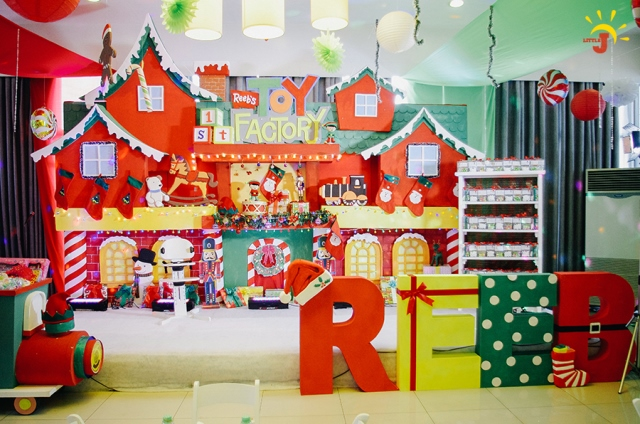 Reeb S Santa S Toy Factory Themed Party 1st Birthday