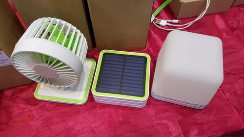 เลือกโมดูลต่างๆ มาต่อเพิ่มได้ เช่น พัดลม หรือไฟ LED