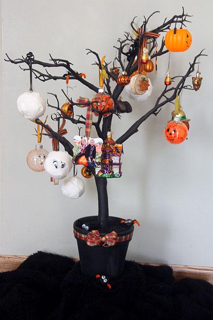 HalloweenTree1