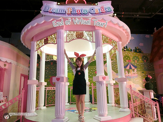 Hello Kitty in Oz Tiffany Yong Blogger