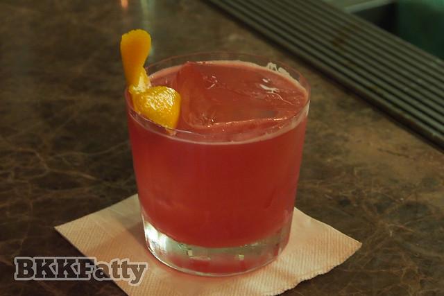 best cocktail bar bangkok uncle-6
