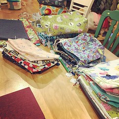 """There's new SbJL stock at The Warm Ewe in Chatham, NY just in time for knit in public day! Come on down and pick out a new cozy home for your project and #kip too! #stitchedbyjessalu #handmade #projectbags for your #knitting and #crochet #knitinpublicday2 • <a style=""""font-size:0.8em;"""" href=""""http://www.flickr.com/photos/85938040@N00/48025809131/"""" target=""""_blank"""">View on Flickr</a>"""