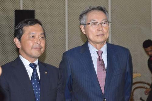 O presidente da Cenibra, Kazuhiko Kamada e Naohiro Doi, que se despede do Brasil