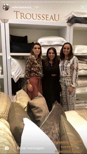 Yáscara e Karina recebem Valéria Souza