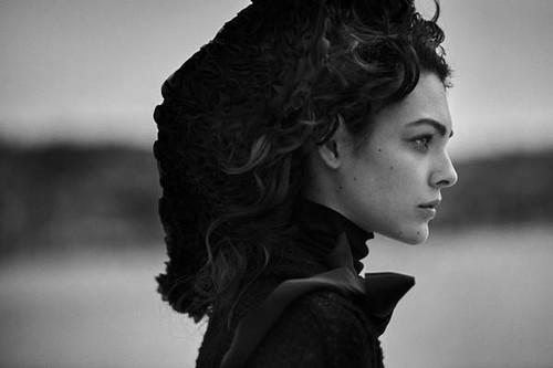 Vogue-Alemanha-julho-2019_fotografada_por_Peter-Lindbergh_0000005