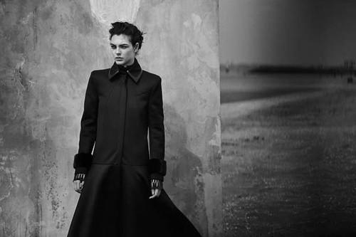 Vogue-Alemanha-julho-2019_fotografada_por_Peter-Lindbergh_01