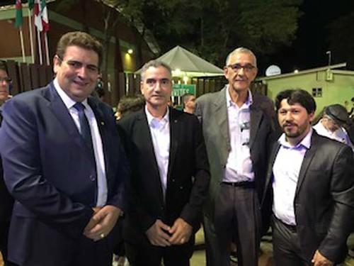 Prefeito de Fabriciano, Marcos Vinícius Bizarro, deputado Hercílio Diniz, Elísio Cacildo e prefeito de Timóteo, Douglas Wilkins