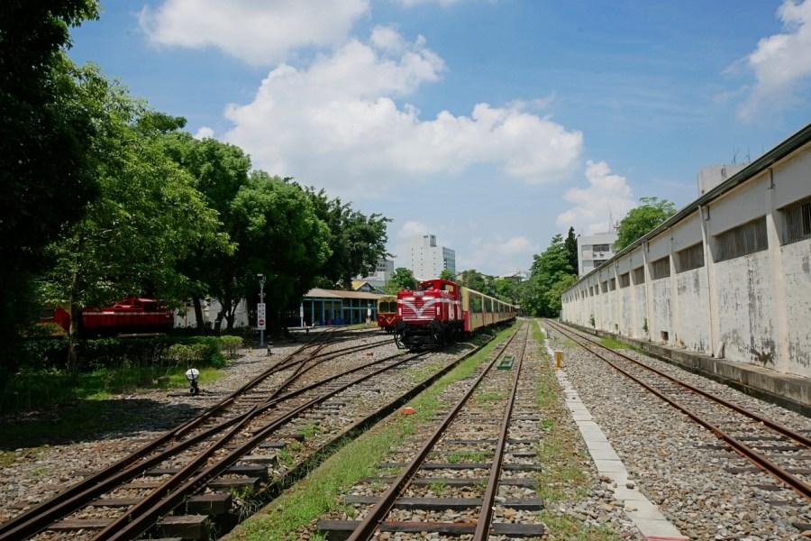 [嘉義旅遊]阿里山森林鐵路車庫園區|阿里山小火車大本營~可以近距離觸摸.免費參觀 @VIVIYU小世界