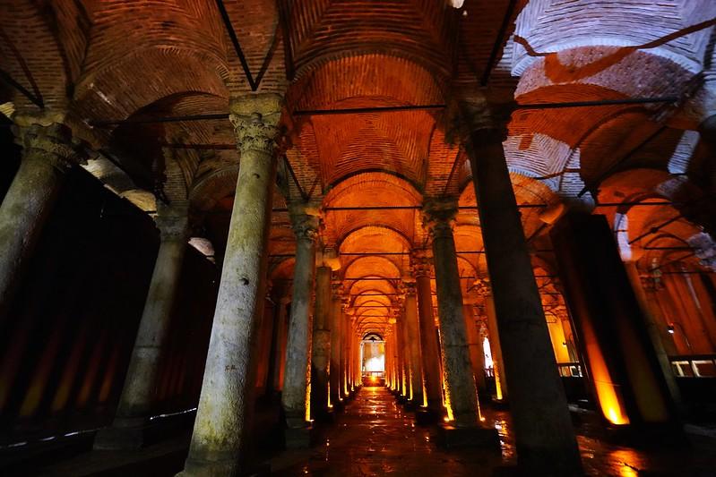 【土耳其,Istanbul】伊斯坦堡舊城區地下水宮殿Yerebatan Sarayı。-快樂雲愛旅行-欣傳媒旅遊頻道