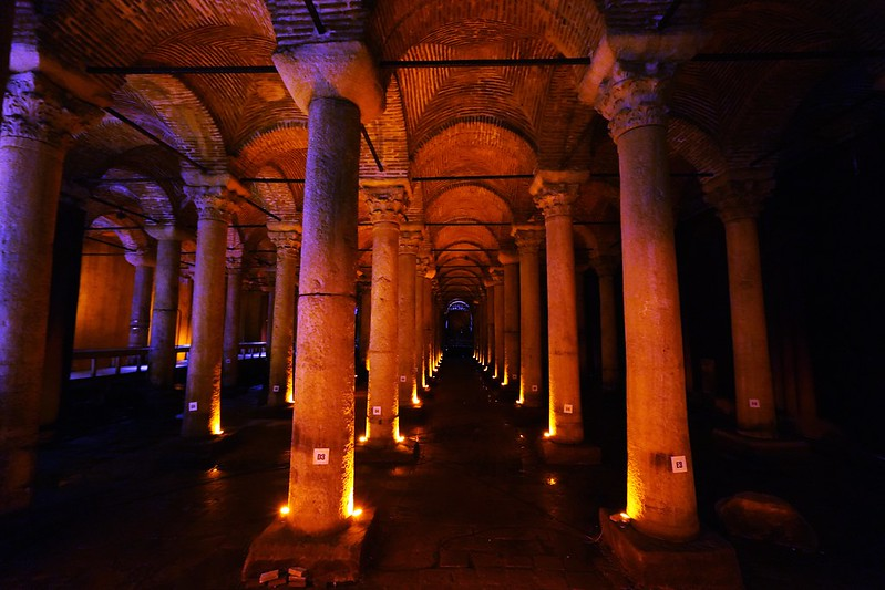 【土耳其,Istanbul】伊斯坦堡舊城區地下水宮殿Yerebatan Sarayı(沉沒的宮殿)。 - 不能流浪的日子,在城市中發呆 ...