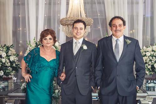 O noivo com seus pais, Maristela e Paulo Cristelli