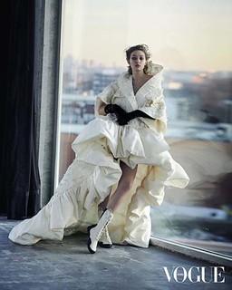 Gigi+Hadid+by+Peter+Lindbergh+for+Vogue+Arabia+Anniversary+2+(4)