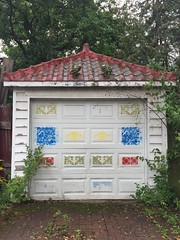 Garage with Chinese style rood tiles