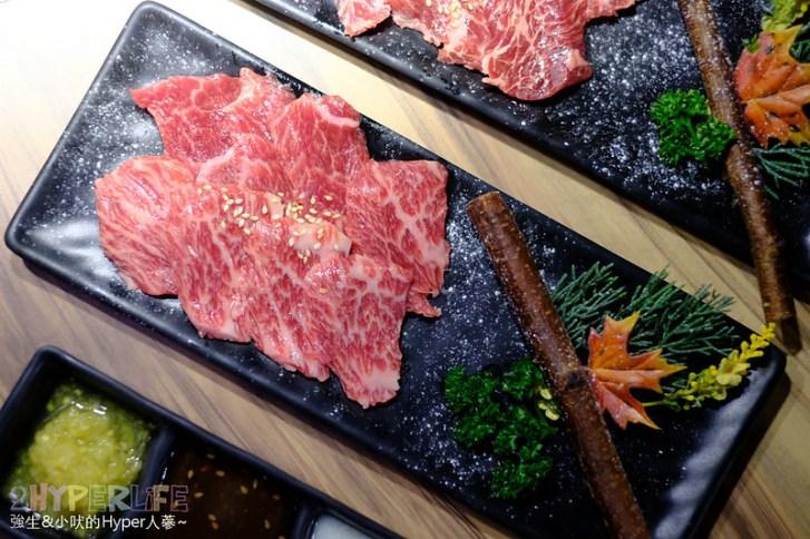48901098221 2e2eb00609 c - 熱血採訪│經過都不確定有沒有營業的神秘燒肉店,大股熟成燒肉專門還有整面販賣機牆可以喝起來!
