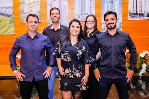 Damille Barros, da Comunicação WR, com equipe
