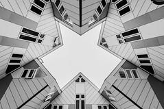 Cube House R