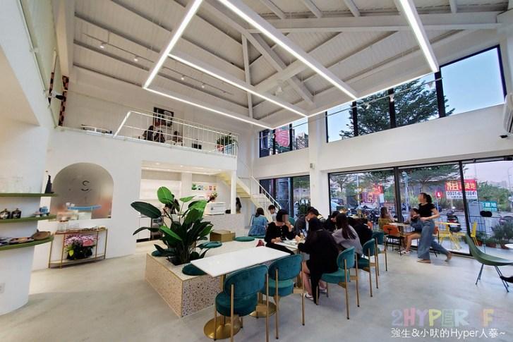 49156616266 8fd513eaec c - 店內滿是妹子的韓系網美咖啡店,Stunning Cafe空間大器好拍還結合了三種風格服飾~