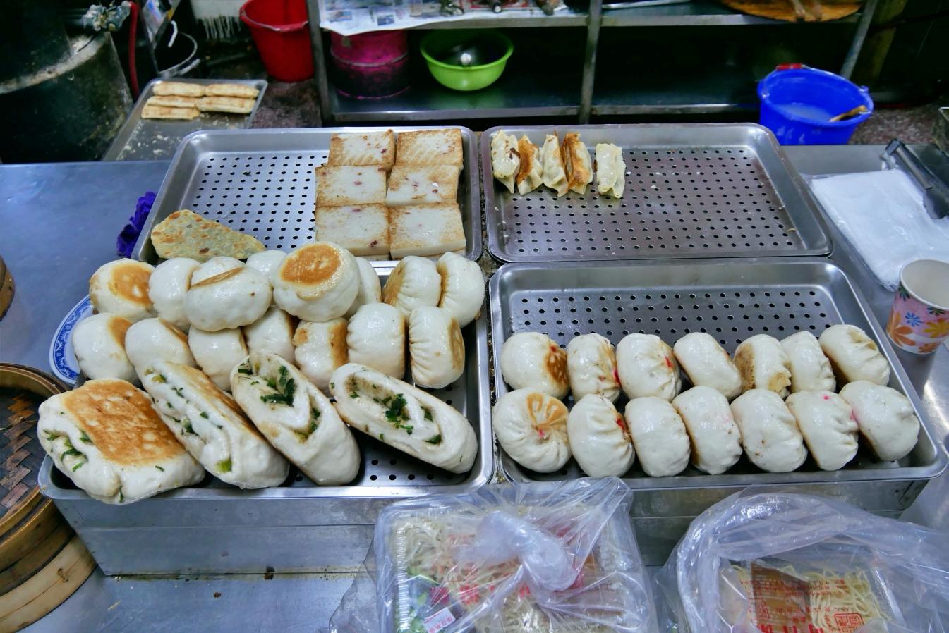 [桃園美食]永和四海豆漿|宵夜場美食~銅板小吃.咬下會爆汁的煎餃