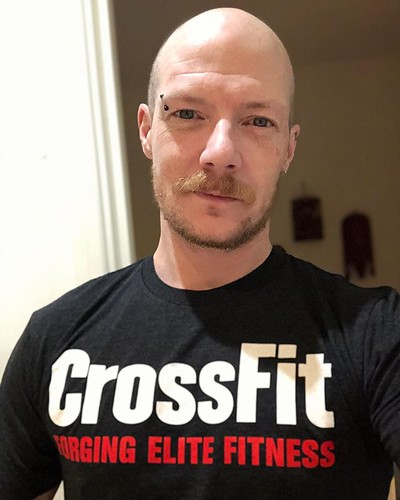 Today is all about...CrossFit Monday's. Even got a tee to prove it! ❤️
