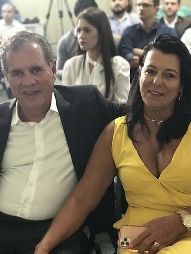 Altair Vilar e a vice-presidente social da Todos Empreendimentos, sua mulher Mara Vilar