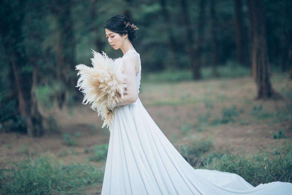 台南自助婚紗|喜愛馬戲團的各種絕技,拍婚紗就通通爆發出來吧|愛情街角-Love Corner