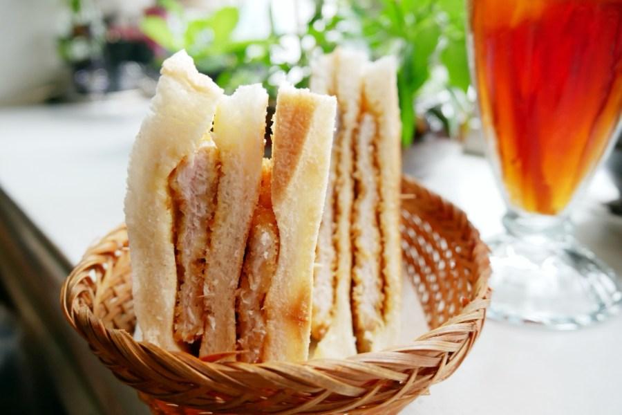 [桃園美食]我愛蜜蜂|南門市場附近隱藏版的咖啡簡餐餐廳‧傳承三十年不變的好味道 @VIVIYU小世界