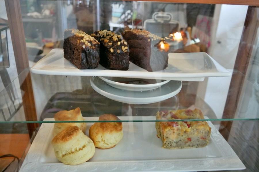 [桃園美食]我在這裡 桃園後站鄉村風可愛甜點咖啡館~品嚐老闆手做甜點果醬 @VIVIYU小世界