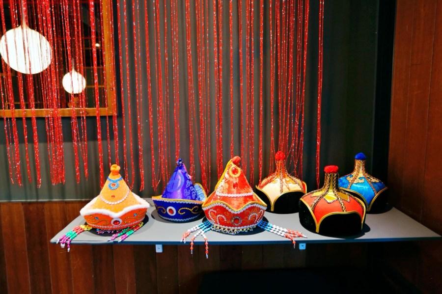 [內壢美食]蒙古紅.中壢店|頂級蒙古鍋吃到飽~內壢火車站附近新開店.食材新鮮不定時會推出當季時蔬.安格斯牛肉片切的比臉大!! @VIVIYU小世界