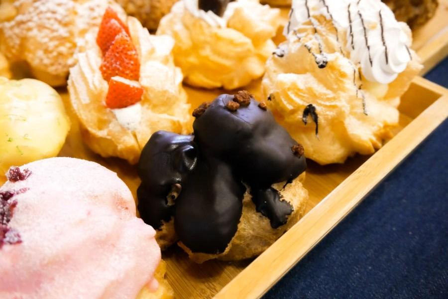 [嘉義美食]貓尾巴麵包店|必買泡芙系列~泡芙一條龍之滿足心願.一次買足16種泡芙 @VIVIYU小世界