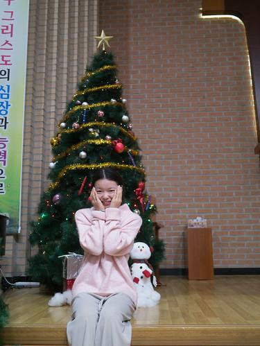 Decorating Christmas Tree_MDY_191124_17