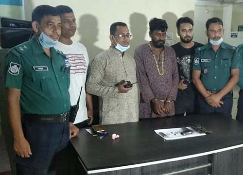 Gazipur-(1)- 03 July 2020-Youth Arrest At Haque Market -1
