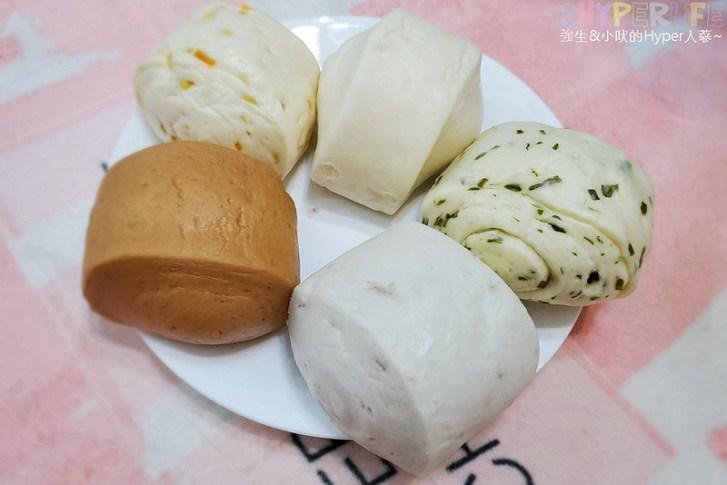 50340347082 72ea475c4b c - 一點利黃昏市場旁饅頭包子專賣,必吃一顆18元的蛋黃鮮肉包!