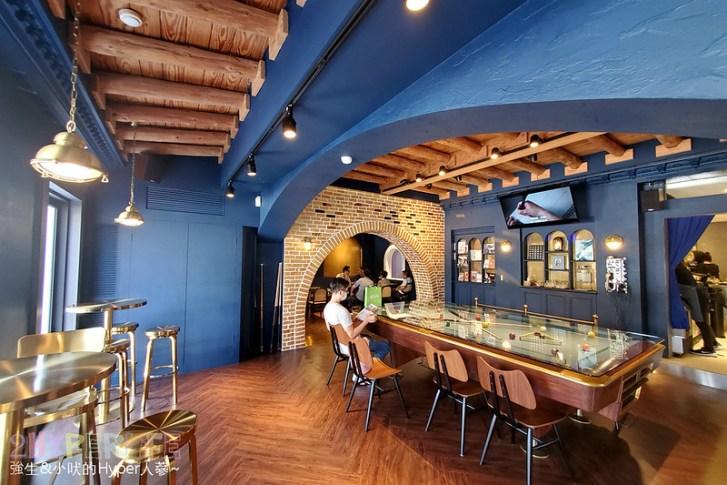 50592993063 8534f90dc5 c - 美術館附近不限時咖啡廳,喝個咖啡好像有特務隨時會出現,店內還有超大撞球桌和挑高包廂~