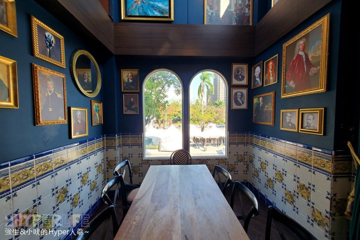 50592993348 d8da76b5aa c - 美術館附近不限時咖啡廳,喝個咖啡好像有特務隨時會出現,店內還有超大撞球桌和挑高包廂~