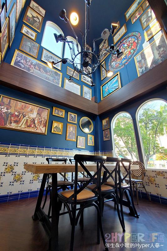 50593858012 d5644fdb9c c - 美術館附近不限時咖啡廳,喝個咖啡好像有特務隨時會出現,店內還有超大撞球桌和挑高包廂~