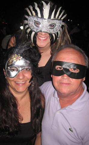 Alcides Mendes, com Iliana e a filha, Taís