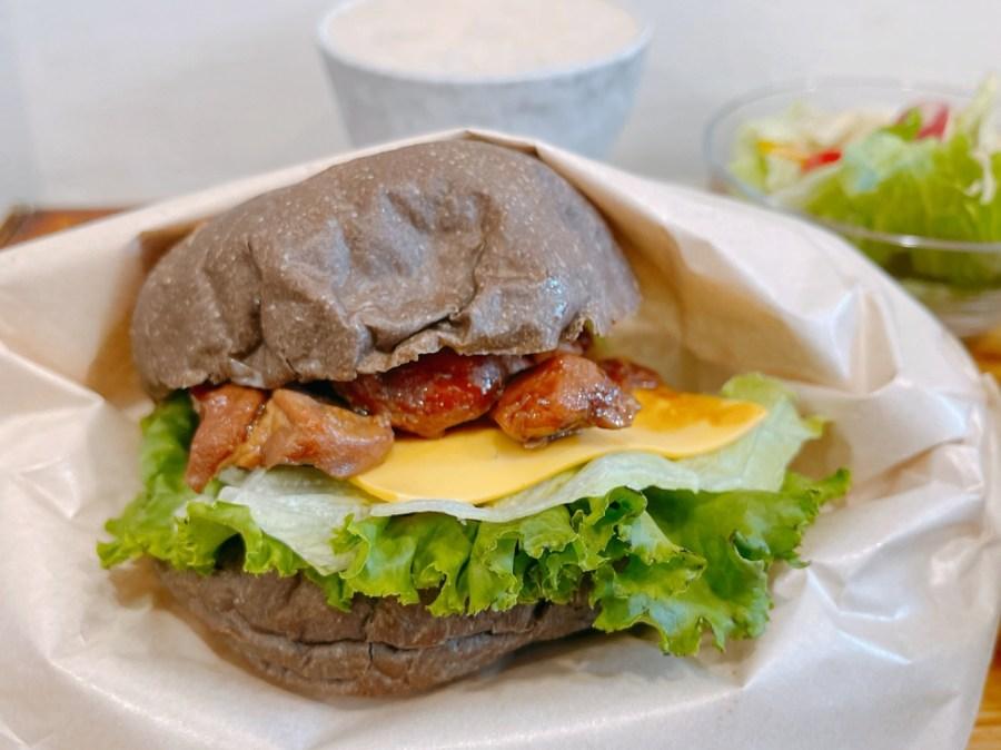 [蘆竹美食]先吃堡再說|南崁平價美式漢堡~脆皮堡、黑炭堡、波蘿堡任你選.隱藏版不定時出現 @VIVIYU小世界